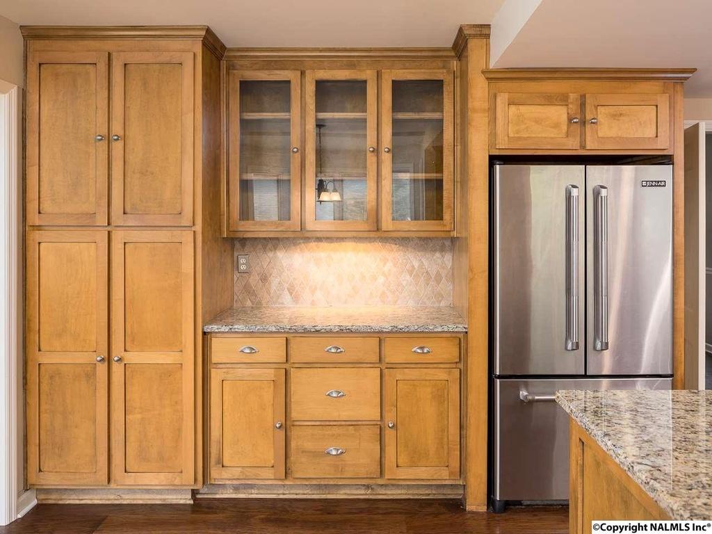 412 Zandale Drive - kitchen cabinets